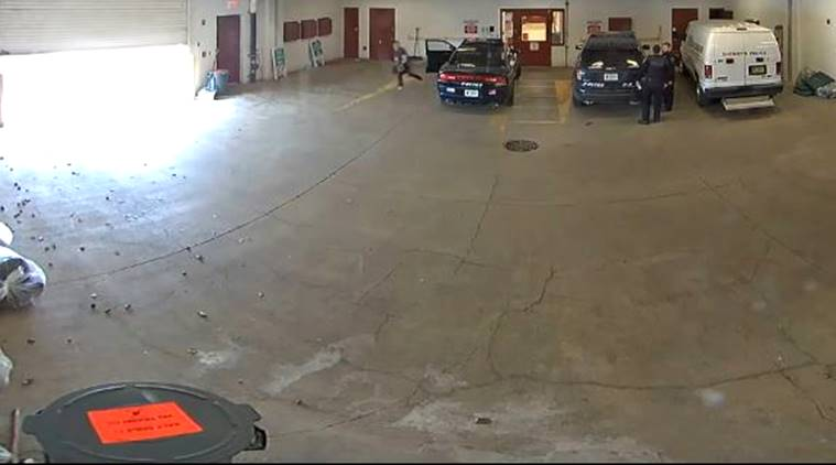 prisoners video, prisoners running away video, prison cctv footages, bizarre cctv footage