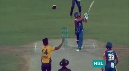 Shahid Afridi rolls back the years, slams four sixes in four deliveries; watch video