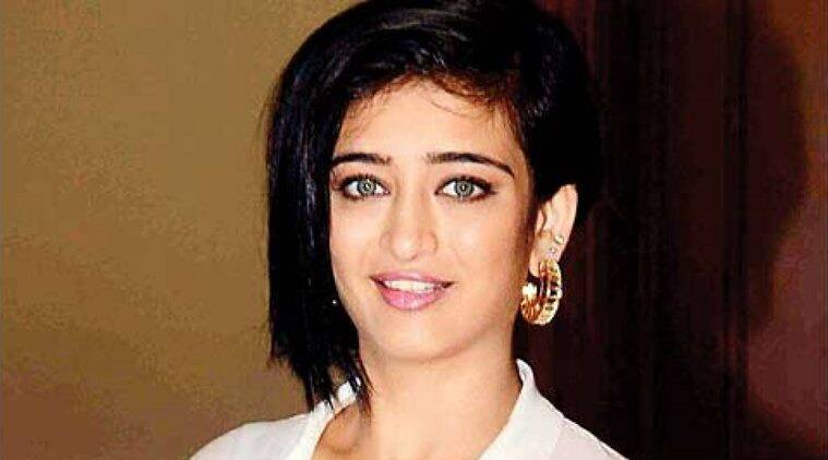 akshara haasan web series goodbye girl