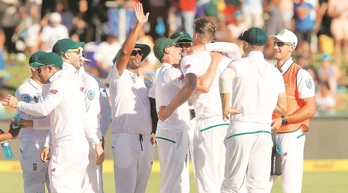 Starc's five-for rattles Proteas despite ABD's fighting knock — Twitter Reactions