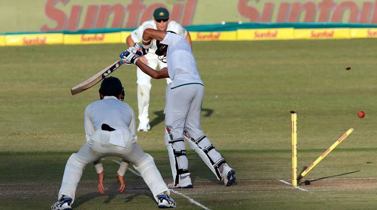 Australia stump mic, stump microphones, South africa vs australia, sa vs aus, south africa vs australia 1st test, tim paine, adam gilchrist, cricket news, indian express
