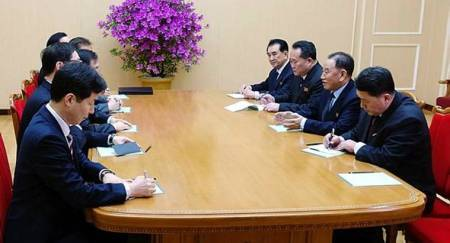 South Koreans meet North Korean leader Kim Jong Un for talks about talks