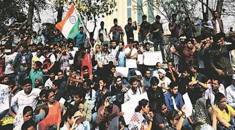 SSC Exam Paper Leak: Anna Hazare Meets Protestors; Congress Demands CBI Probe