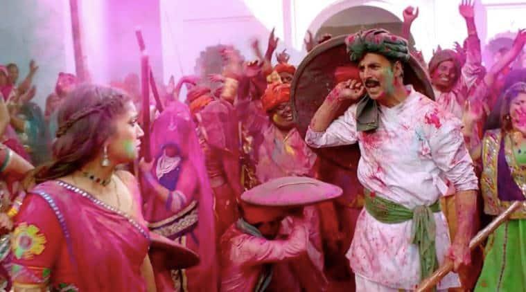 Toilet Ek Prem Katha holi song