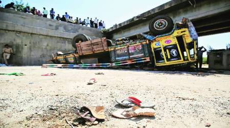 Accidents on Pune-Solapur Highway: 2 sisters die after they fall out of bus that turned turtle near Bhigwan