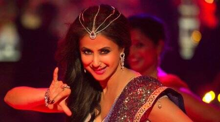 Urmila Matondkar disappoints in Blackmail song Bewafa Beauty
