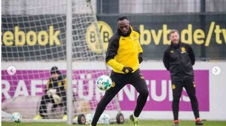Usain Bolt trains with Borussia Dortmund.