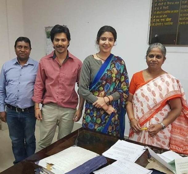 anushka sharma and varun dhawan on sui dhaaga sets