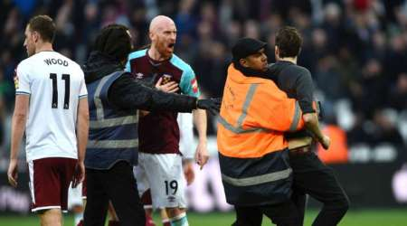 Chaos reigns as West Ham lose 3-0 at home to Burnley; club launches probe into crowdtrouble