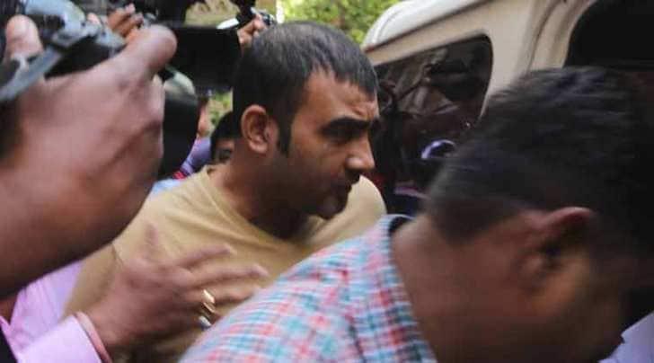 zeenat aman files rape case