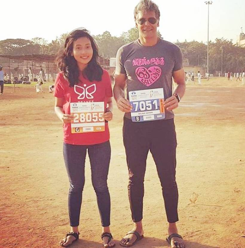 milind soman and ankita konwar during a pinkathon marathon