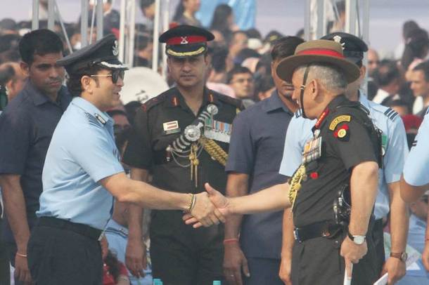 Sports stars, other than MS Dhoni, who have held positions in Indian armed forces