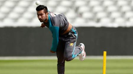 Mohammad Amir gets visa, travels to UK on Wednesday