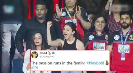 virat kohli, virat kohli anushka sharma video, virat kohli anushka sharma memes, anushka sharma, ipl 2018 video, ipl, indian premier league, rcb vs kxip, ipl news, indian express, indian express news