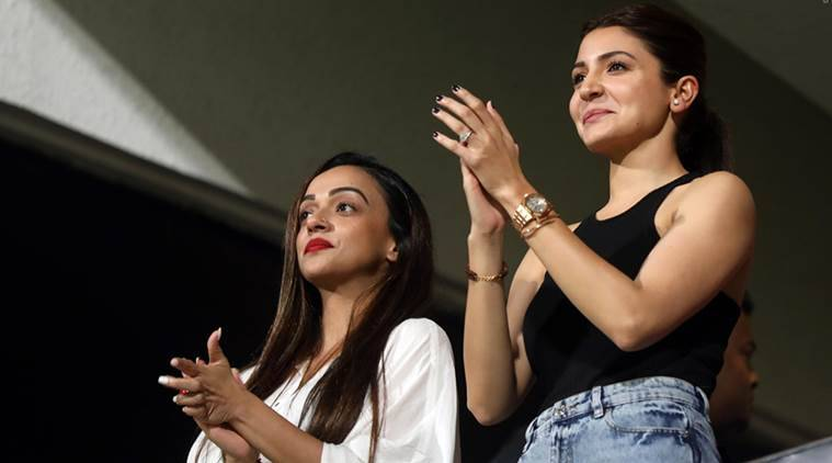 Virat Kohli, Anushka Sharma, IPL 2018, RCB vs KXIP, Virat Kohli wife, Virushka, Virat Anushka, sports news, cricket, IPL news, Indian Express
