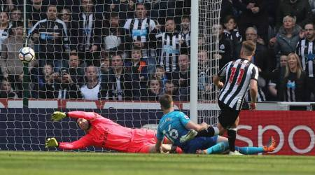Newcastle United vs Arsenal, Arsenal Manchester United, Matt Ritchie, sports news, goal, Indian Express