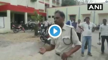 Video: Heavily drunk policeman falling to ground in Madhya Pradesh, suspended