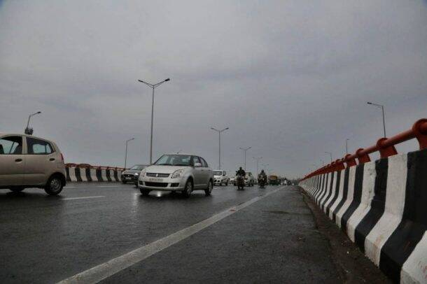 delhi weather photos, delhi rains pics, dust storm images, pleasant weather pictures, overcast sky photo, delhi news, delhi rains latest photos, indian express