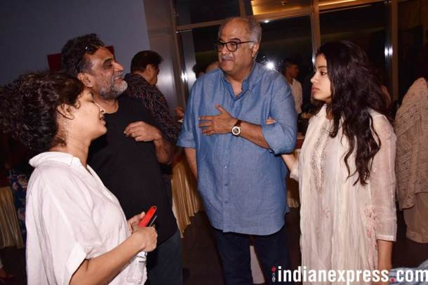 janhvi kapoor and boney kapoor met gauri shinde
