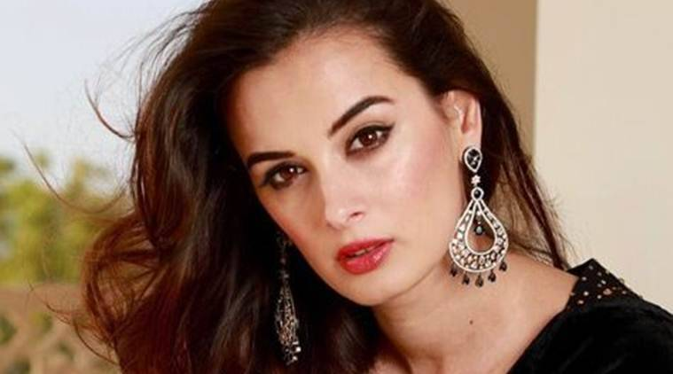 evelyn sharma to star in Prabhas starrer Saaho