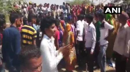 Gujarat Police resorts to batoncharge as farmers resist govt company's bid to take land possession, 50detained