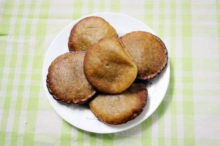 Bihu recipes, bora saulor aroiya pitha, Ghila Pitha/Tel Pitha, Laai Xaak Khaar Pitha Guri Di, Bihu Phalam 2018, Happy Bihu 2018, Bihu 2018, Assam New Year Festival, Assam New Year, Bihu festival, indian express, indian express news