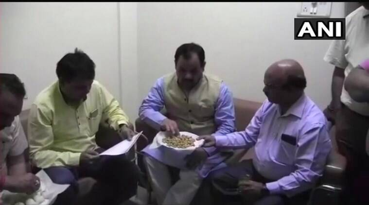 Enemy of 'fast': For Congress it was chole-bhature, for BJP it's cashew-nuts