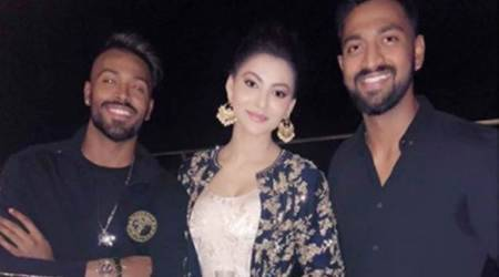 Hardik Pandya spotted flirting with Hate Story 4 actor Urvashi Rautela?