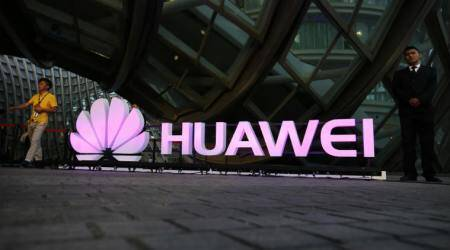 Huawei working on a foldable smartphone, revealspatent