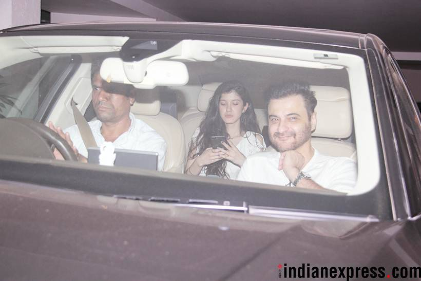 shanaya kapoor attends party