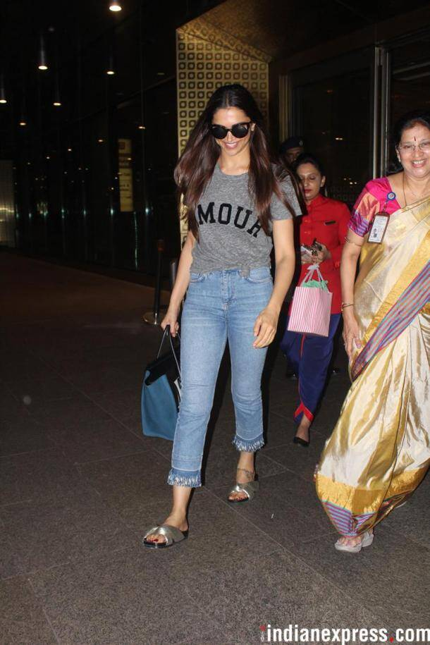 deepika padukones at airport