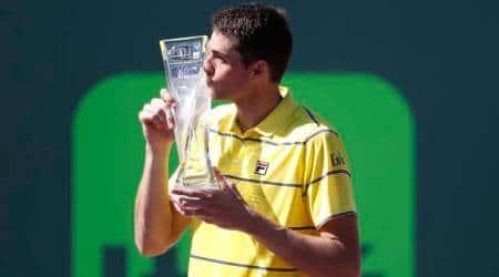 John Isner earns biggest title, beating Alexander Zverev in Miami Openfinal