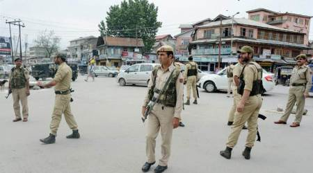 Constable suspended for Kashmiri youth's killing