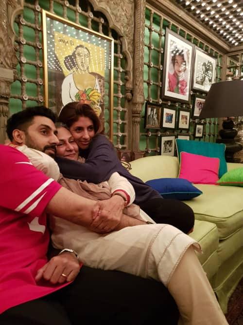 Jaya Bachchan birthday family photo