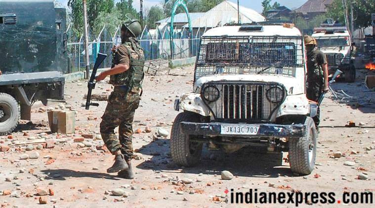 Vehicle crushes Srinagar civilian in clashes during gunfight