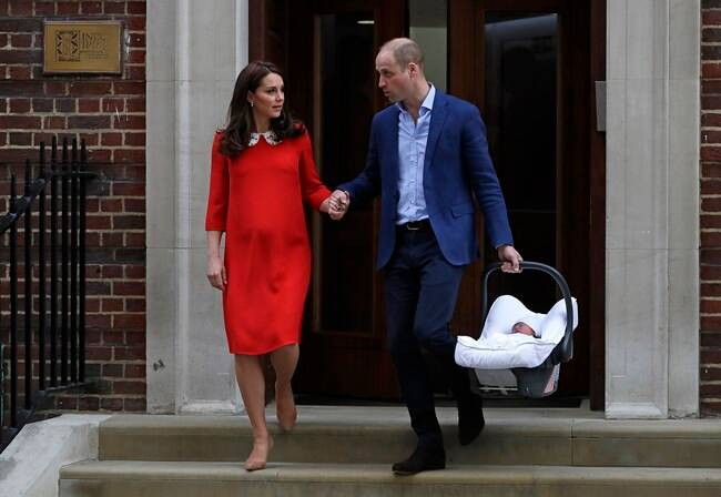 royal baby, royal baby 3, third royal baby, royal baby photo, third royal baby photos, royal baby first photos, kate middleton, prince william, kate middleton new baby photos, duchess of cambridge new baby photos, world news, indian express,