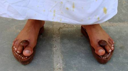 Tamil Nadu: Self-proclaimed godman tries to 'bless' officials with chappal