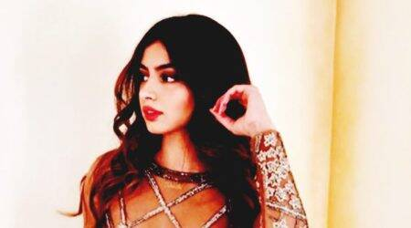Khushi Kapoor looks like a true-bred fashionista in this Falguni and Shane Peacock outfit