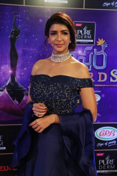 Lakshmi Manchu at the Zee Telugu Apsara Awards 2018.