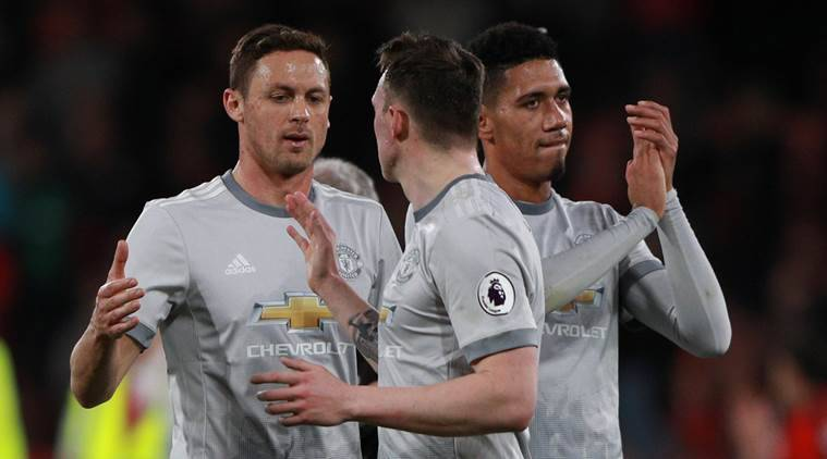 Manchester United advance to FA Cup Final