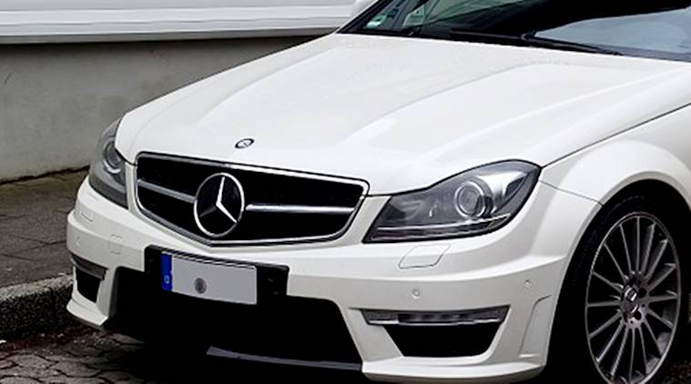 man steals Mercedes logos for likes, chinese man steals Mercedes logos for attention, to get likes man steals Mercedes logos, stealking Mercedes logos, Mercedes logos, bizarre news, indian express, indian express news
