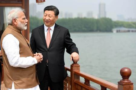 PM Modi holds informal talks with Xi Jinping