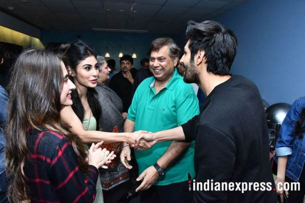 mouni roy, sanjeeda sheik, david dhawan and kartik aaryan at october screening