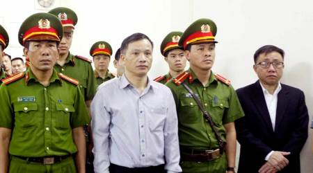 Vietnam jails prominent human rights lawyer, five other activists
