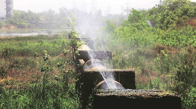 BMC, water supply suspended in Mumbai, water pipe leak in Mumbai, water supply halted due to pipe leak, Mumbai news, Indian Express news