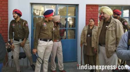 punjab police, mohali, sub inpector cheated, anti drug stf, indian express