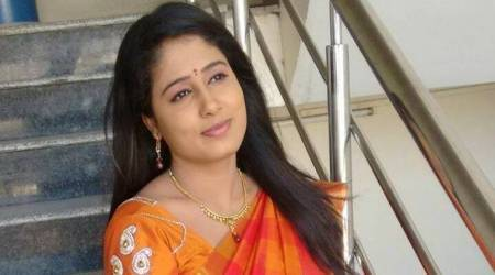 V6 channel news anchor Radhika Reddy allegedly commits suicide inHyderabad