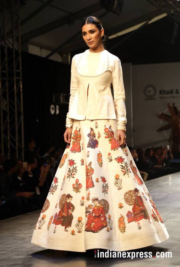 Khadi - Transcending Boundaries fashion show, khadi FDCI, Rohit Bal latest designs, Anju Modi latest designs, Payal Jain latest designs, Poonam Bhagat latest designs, indian express, indian express news
