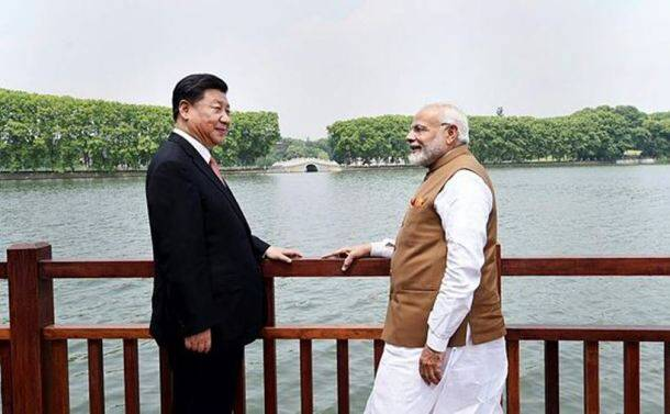 pm modi in china, modi jinping boat ride, modi at east lake, modi jinping pictures, modi jinping meeting, india china summit, india china relations