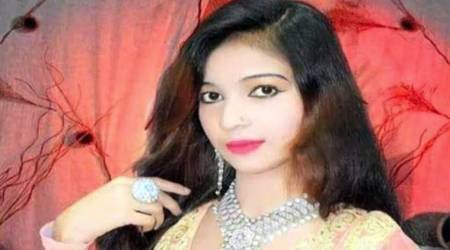 Pregnant Pakistani singer shot dead for refusing to stand while singing